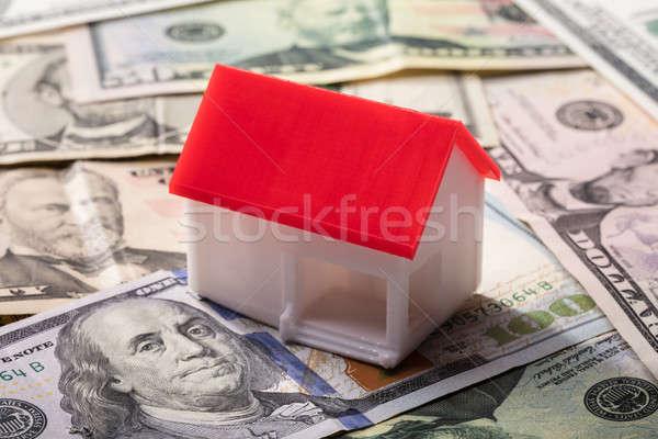 Casa modelo americano billetes primer plano rojo Foto stock © AndreyPopov