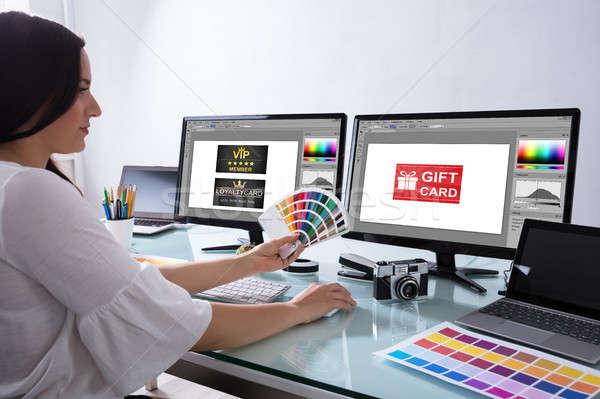Stock fotó: Női · designer · tart · szín · dolgozik · iroda