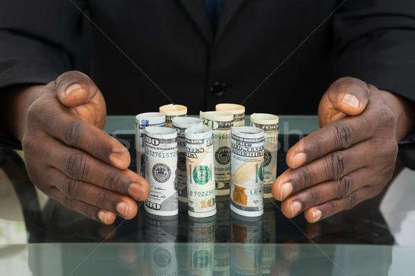 üzletember kezek bankjegyek közelkép üveg asztal Stock fotó © AndreyPopov