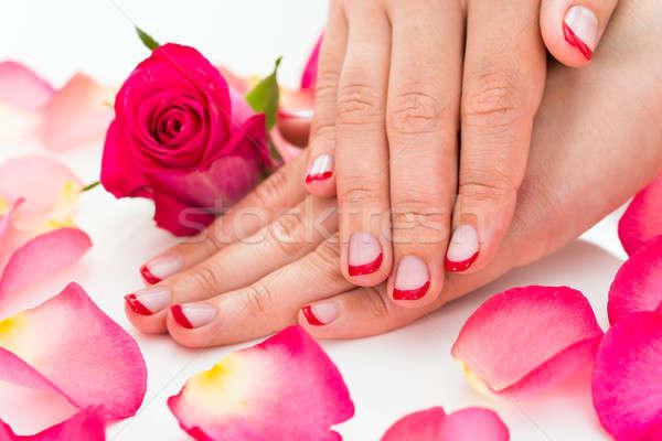 Vrouwelijke handen nagel vernis Rood Stockfoto © AndreyPopov