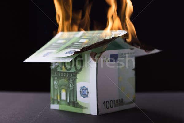 дома вверх банкнота сжигание огня черный Сток-фото © AndreyPopov