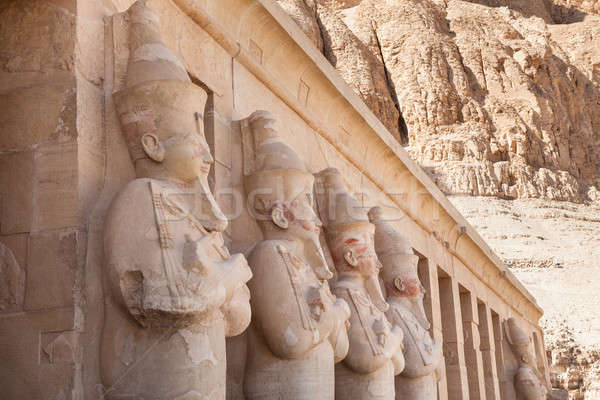 Tempel luxor Egypte berg bank standbeeld Stockfoto © AndreyPopov