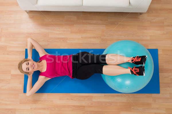 Mujer pilates pelota vista Foto stock © AndreyPopov