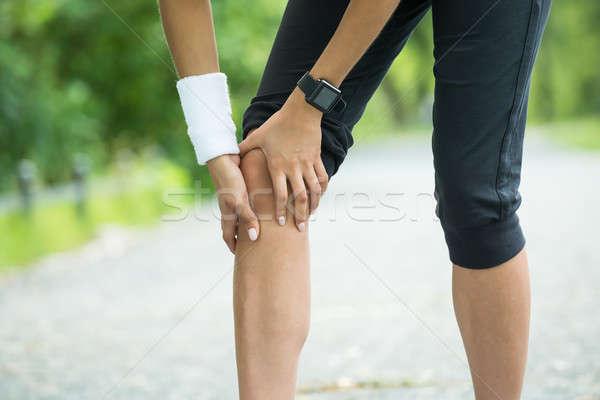 Homme jogger douleur genou sport Photo stock © AndreyPopov