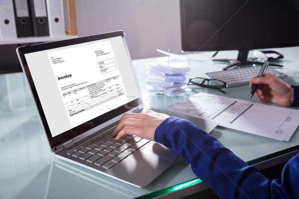Empresário laptop mão escritório Foto stock © AndreyPopov