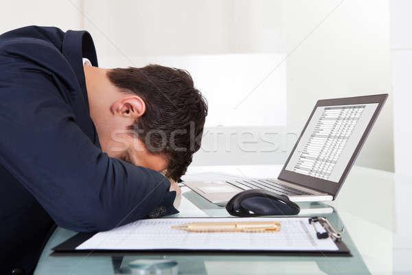 Cansado empresário adormecido despesas escritório vista lateral Foto stock © AndreyPopov