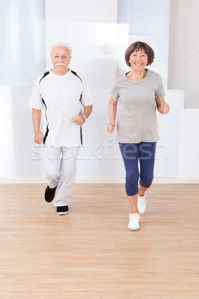 Starszy para jogging siłowni portret aktywny Zdjęcia stock © AndreyPopov
