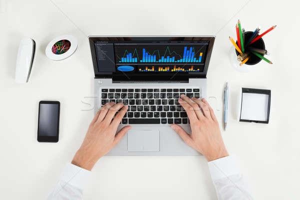 Zdjęcia stock: Wykres · laptop · widoku · biurko