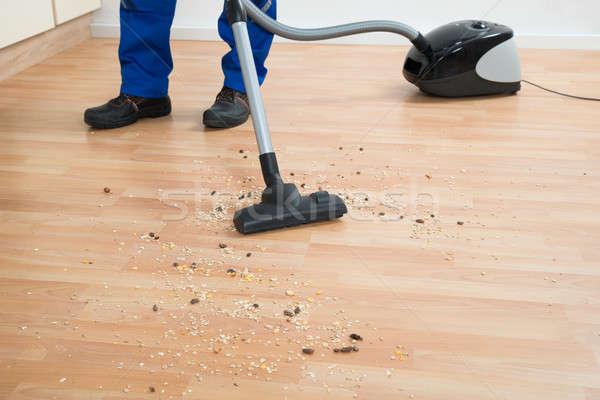Temizlik zemin elektrikli süpürge düşük bölüm Stok fotoğraf © AndreyPopov