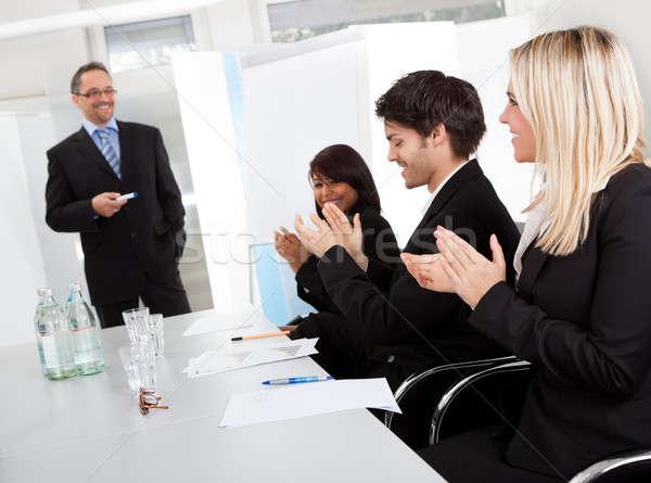 Ludzi biznesu prezentacji grupy biuro szczęśliwy Zdjęcia stock © AndreyPopov