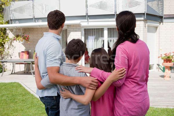 Сток-фото: семьи · Постоянный · дома · покупке · новый · дом