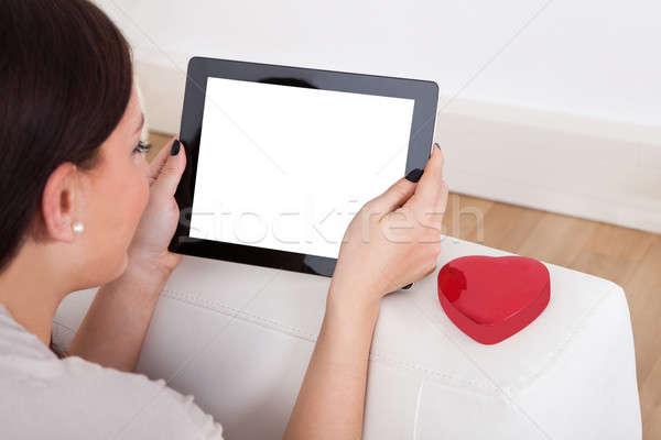 женщину цифровой таблетка онлайн знакомства изображение Сток-фото © AndreyPopov