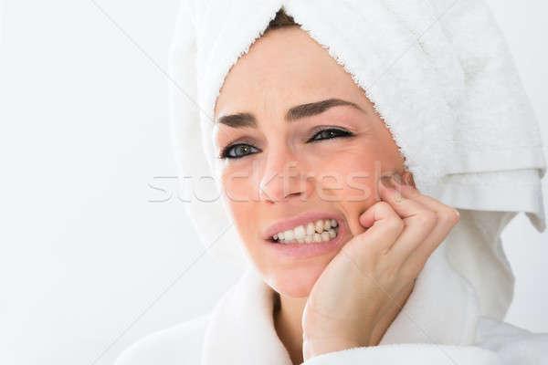 Nő szenvedés fogfájás közelkép fürdőköpeny kéz Stock fotó © AndreyPopov