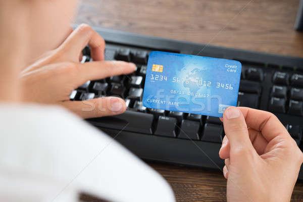 Işadamı klavye kredi kartı eller Stok fotoğraf © AndreyPopov