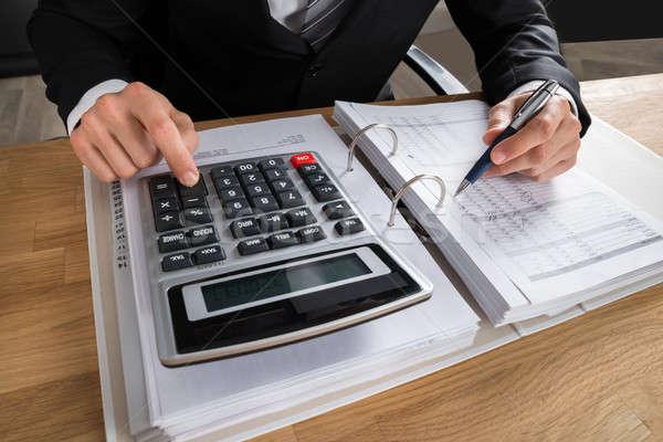 Mannelijke boekhouder belasting bureau kantoor Stockfoto © AndreyPopov