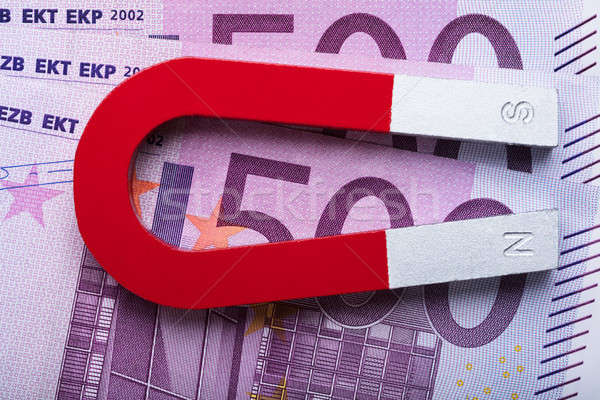 Aimant 500 euros table Photo stock © AndreyPopov