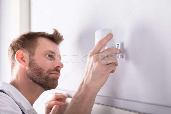 Elektriker Installation Sicherheit Tür Sensor Stock foto © AndreyPopov