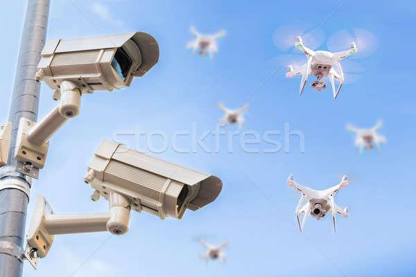 Megfigyelés fényképezőgépek repülés égbolt pólus kék ég Stock fotó © AndreyPopov