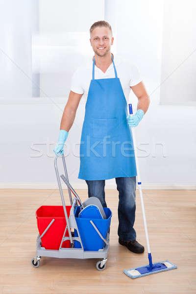 Limpieza pisos carrito dos Foto stock © AndreyPopov