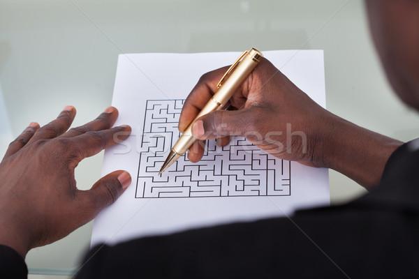 ビジネスマン 迷路 パズル クローズアップ 見える ストックフォト © AndreyPopov
