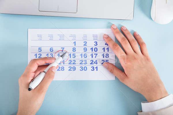 üzletasszony rajz kör naptár randevú közelkép Stock fotó © AndreyPopov