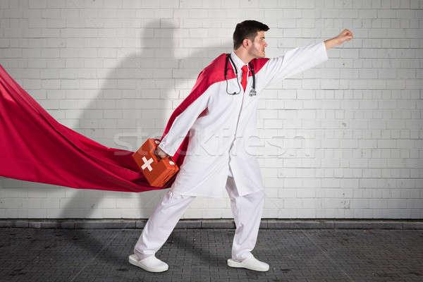 Superhero lekarza pierwsza pomoc polu czerwony Zdjęcia stock © AndreyPopov