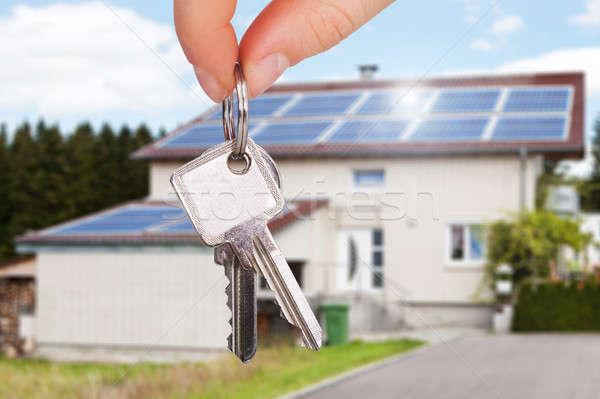 Proprietario chiave casa primo piano mano Foto d'archivio © AndreyPopov