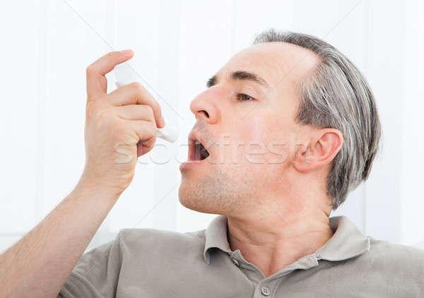 Uomo asma medici home salute medicina Foto d'archivio © AndreyPopov