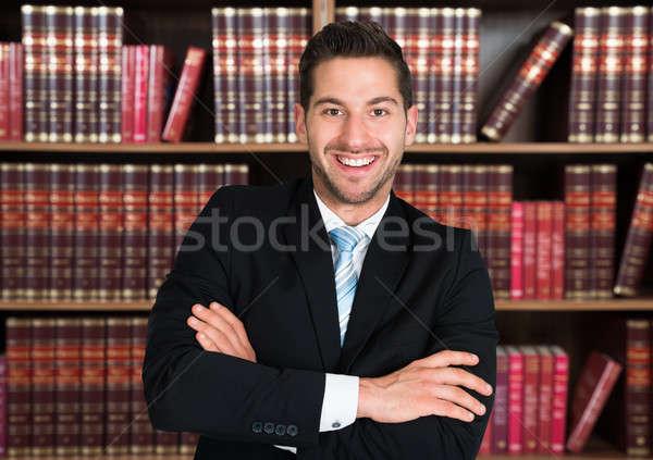 Stok fotoğraf: Avukat · ayakta · portre · erkek · kitaplık