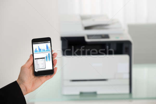 Empresária mão imprimir comando Foto stock © AndreyPopov