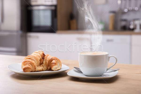 круассан Кубок кофе завтрак горячей Сток-фото © AndreyPopov
