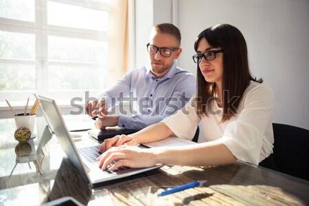 бизнесмен прикасаться плечо женщины коллега молодые Сток-фото © AndreyPopov