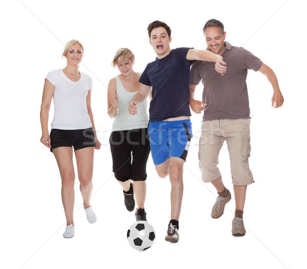 活躍 家庭 播放 足球 適合 父母 商業照片 © AndreyPopov