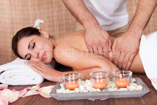 Piękna młoda kobieta powrót masażu spa dziewczyna Zdjęcia stock © AndreyPopov