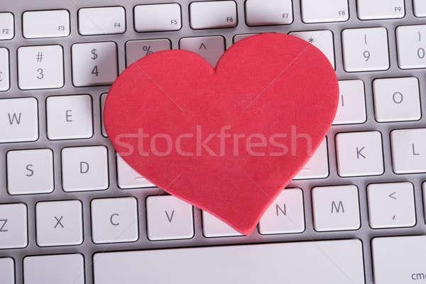 çevrimiçi kalma kalp bilgisayar klavye Internet bilgisayarlar Stok fotoğraf © AndreyPopov