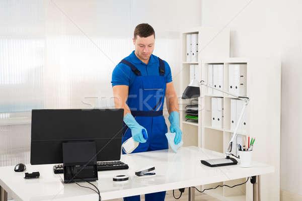 работник очистки компьютер столе спрей губки Сток-фото © AndreyPopov