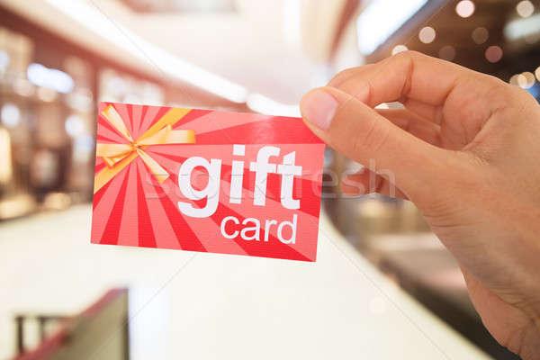 Pessoas mão cartão de presente imagem compras Foto stock © AndreyPopov