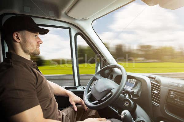 Retrato mensajero dentro conducción van jóvenes Foto stock © AndreyPopov