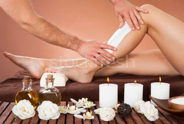Terapeuta gyantázás vásárlók láb szépségszalon kép Stock fotó © AndreyPopov