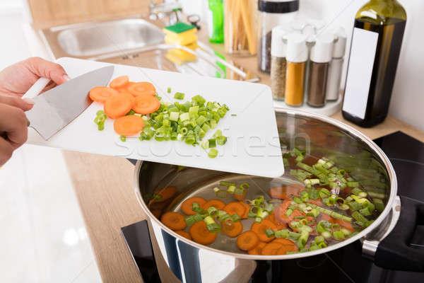 Stock fotó: Közelkép · nő · főzés · étel · aprított · zöldségek
