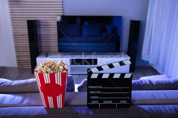 Pipoca televisão comida tempo tela Foto stock © AndreyPopov