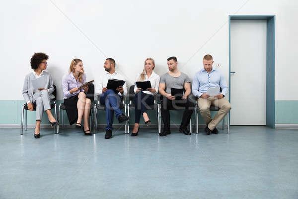 Attesa intervista seduta sedia gruppo squadra Foto d'archivio © AndreyPopov