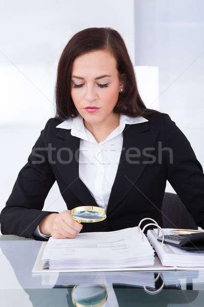 Foto d'archivio: Revisore · dei · conti · finanziaria · documenti · giovani · femminile · desk