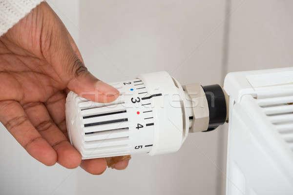 Personnes main radiateur température femme Photo stock © AndreyPopov