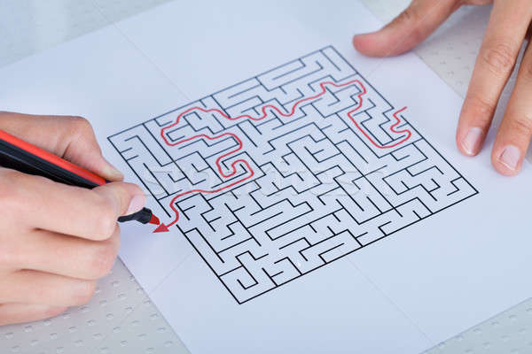 Hand Labyrinth Puzzle rot Stift Stock foto © AndreyPopov