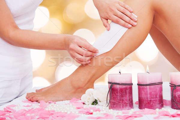 Terapeuta depilação com cera feminino clientes em Foto stock © AndreyPopov