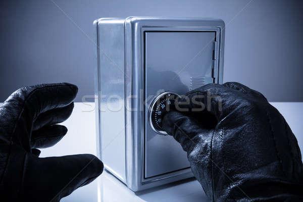 Kéz zárat kinyit széf közelkép visel kesztyű Stock fotó © AndreyPopov