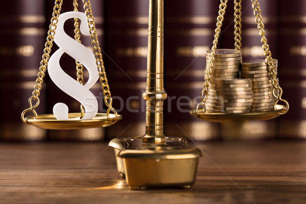 Paragraaf symbool munten justitie schaal Stockfoto © AndreyPopov