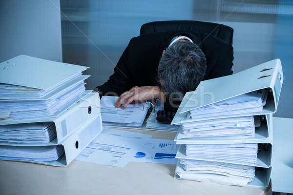 épuisé affaires dormir bureau bureau homme Photo stock © AndreyPopov