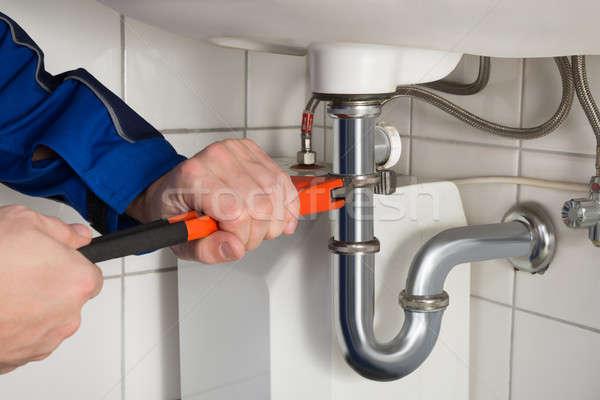 Maschio idraulico sink bagno primo piano Foto d'archivio © AndreyPopov